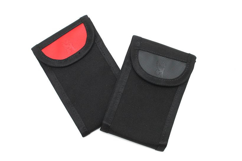 01_welded smartphone pouch